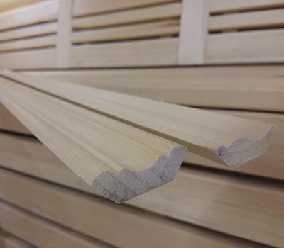 Плинтуса деревянные